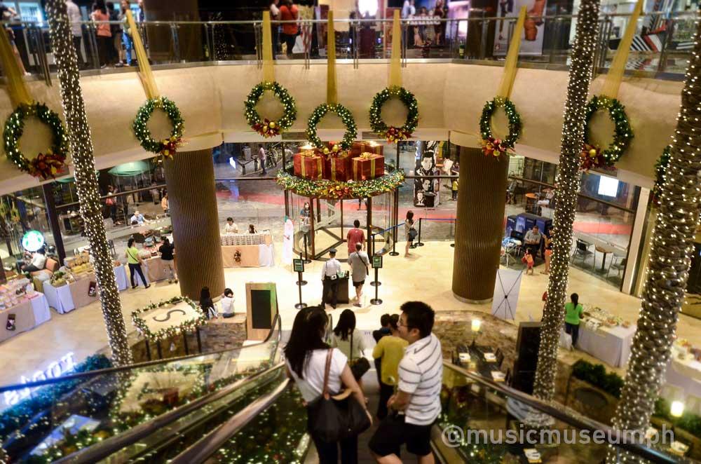 Greenhills Christmas Decor : Greenhills promenade theatre mall and pesville plus
